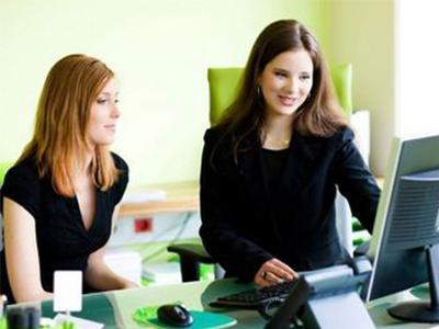 women working mentoring