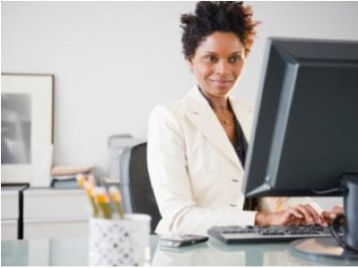 Women-on-Computer 1